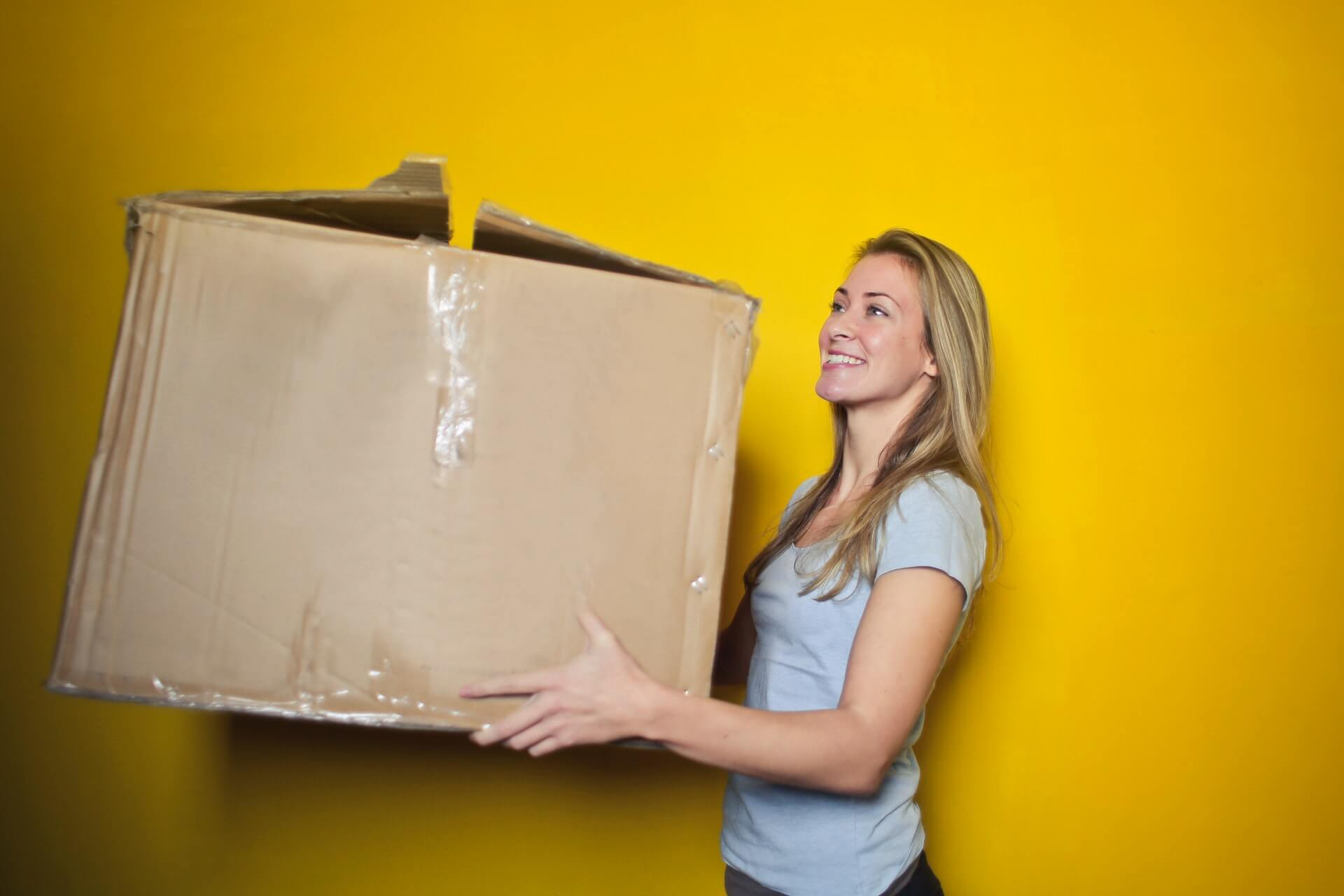 Removal Vans Tips for Packing to Move House